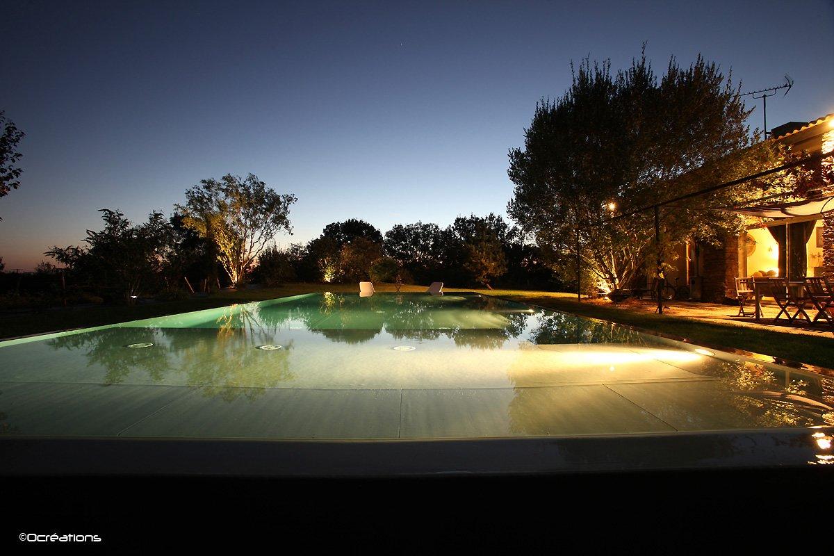 Piscine d bordement at for Constructeur piscine 17